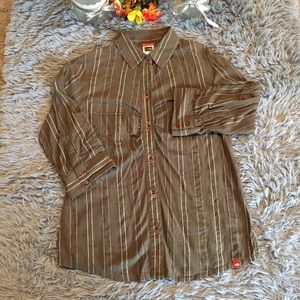 The North Face Button Down Shirt Size Medium